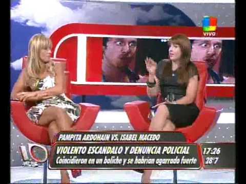 Pampita vs. Isabel Macedo