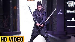 Vidyut Jamwal Performs LIVE Sword Stunt At Lakme Fashion Week 2017 | Lehren TV