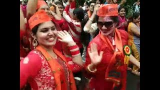 Ganpati immersion: Women devotees perform dance during procession in Chandigarh - TIMESOFINDIACHANNEL