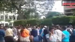 """بالفيديو..الطلاب بجامعة القاهرة: """"هو النور بيقطع ليه.. رد علينا يا نور عينيه"""""""