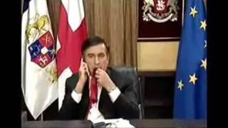 Президент Грузии Саакашвили ест свой галстук в телеэфире Би — Би — Си…