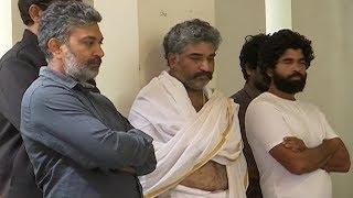 SS Rajamouli & MM Keeravani Pays Homage To Devadas Kanakala | Tollywood News - TFPC
