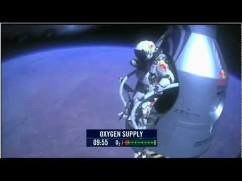 Felix Baumgartner breaks the record of the speed of sound at 1173 km\h