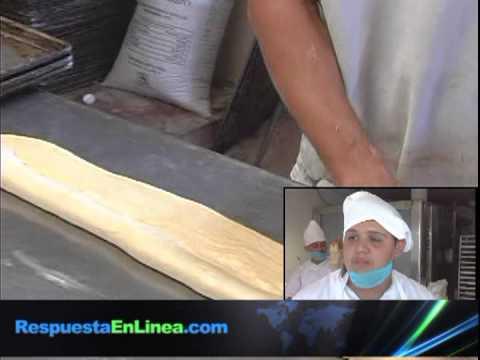 En Reynosa, Tamaulipas, drogadictos en recuperación elaboran rosca de reyes para subsistir..mpg