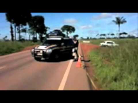 Veja imagens de acidente de van com caminhão próximo a Itaúba