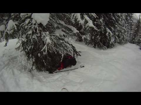 Taranco hasta los sobacos en la nieve