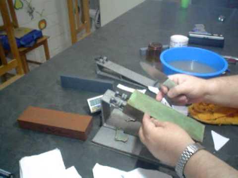 05 Como afiar sua faca ou canivete com a melhor técnica de afiação vídeo 5 de 7.avi