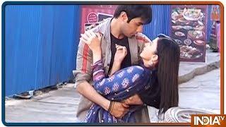Aap Ke Aa Jane Se: Sahil and Vedika share romantic moment - INDIATV