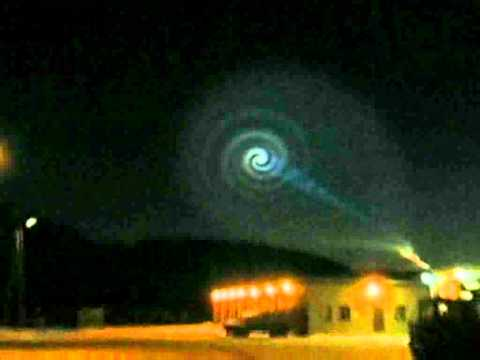 Giant sky spiral shocks Norwegians in December 2009