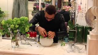 Уроки флористики Славы Роска. Мастер-класс новогодняя композиция цветов в шаре из воска
