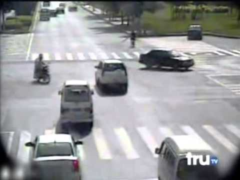 Horrific Fatal Accident - Car Accidents Compilation Cars and Bikes Ignore Red Light and Crash