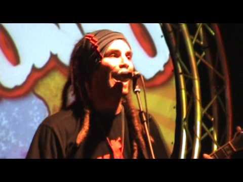Locomondo - Δεν Κάνει Κρύο... (live in Athens - HiJACK.gr - 11/09/2008)