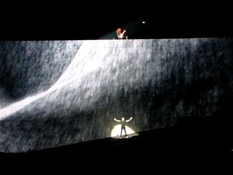Roger Waters - Comfortably Numb - Live at Milano 01.04.2011 -HD