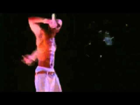 Holograma de Tupac en Coachella 2012 -Rf_7zg8KKzo