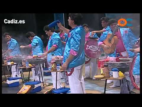Sesión de Cuartos de final, la agrupación Los Georgie Dann de Santa María del Mar actúa hoy en la modalidad de Chirigotas.