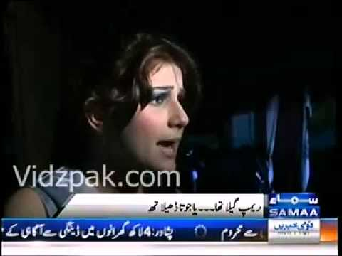 Pakistani model falls on ramp during catwalk