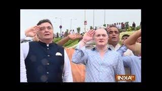 Watch Rishi Kapoor's Independence Day celebration in Mumbai - INDIATV