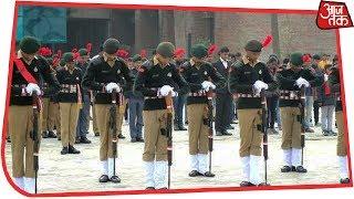 गम  और गुस्से के बीच शहीदों की श्रद्धांजलि - AAJTAKTV