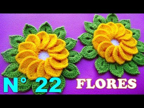 Flores tejidas a crochet de 12 pétalos con hojitas para tapetes y centros de mesa paso a paso