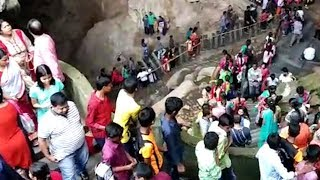 Dussehra 2018: Hundreds of tourists visit Borra caves in Visakhapatnam - TIMESOFINDIACHANNEL
