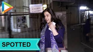 Amrita Singh Spotted at Salon, Juhu - HUNGAMA