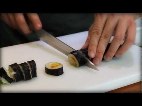 cutting sushi rolls - cut sushi roll - how to cut sushi
