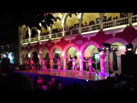 Danzas prehispánicas.
