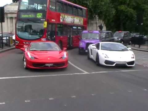 Ferrari 458 Vs Lamborghini LP560-4
