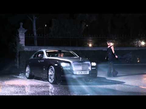 Autoperiskop.cz  – Výjimečný pohled na auta - Rolls-Royce Wraith. A svět se zastavil