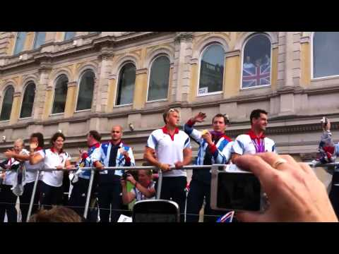 My London 2012 Experience - Our Greatest Team parade (Part 1)