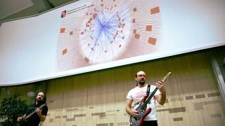 """العلم يندمج بالموسيقى.. علماء يحولون بيانات """"بوزون هيغز"""" إلى موسيقى"""