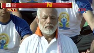 PM Narendra Modi Performs Yoga Asanas In Dehradun | CVR News - CVRNEWSOFFICIAL