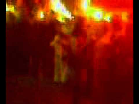Mujer borracha hace el ridículo el la feria de san marcos 2011