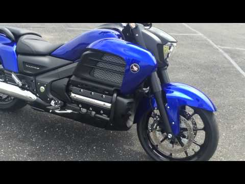 2014 Honda Valkyrie GL1800 Walk Around & Running