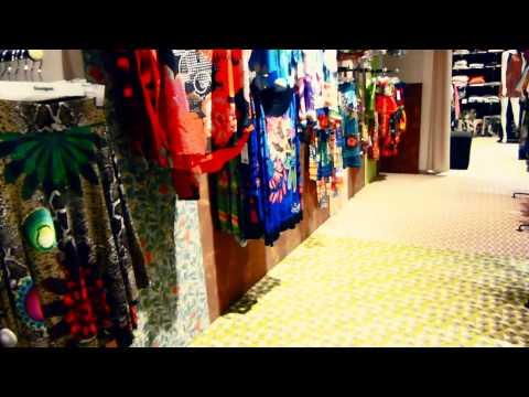 #9996, Tienda de ropa para mujer [Efecto], Compras y comercio
