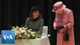 Kate Middleton, Queen Elizabeth Visit Kings College - VOAVIDEO