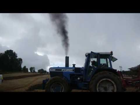 FORD 8730 154 cv 6578 cm3  6 cylindres un gros tracteurs comme on en fait plus