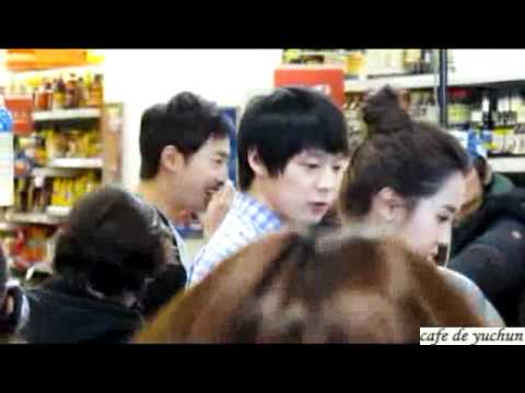 110325 Yuchun Filming Ripley at Supermarket (So Cute!)