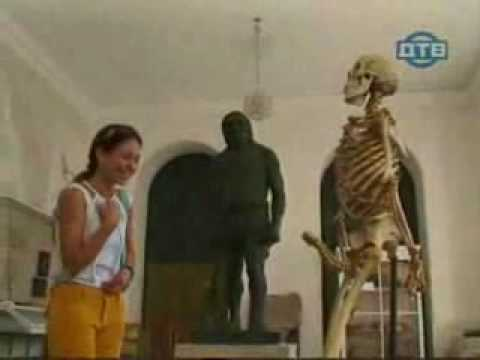Funny Skeleton,hidden camera in museum - يوتيوبات