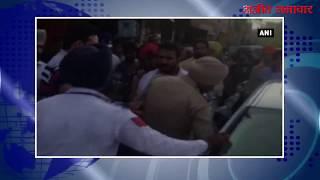 video : पटियाला : कार ड्राइवर और ट्रैफिक पुलिस कर्मचारी में हाथापाई