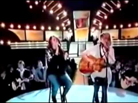 Miley Cyrus & Taylor Swift singing Fifteen GRAMMYS