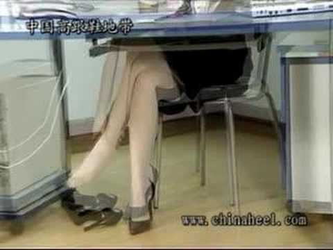 Very pretty office lady with highheels in highheelcn.com