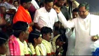 Karnataka minister's daughter marries in mass wedding ceremony - NDTV