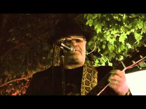 "Razorbacks with Micky Dolenz ""Last train to Clarksville"" - 2009"