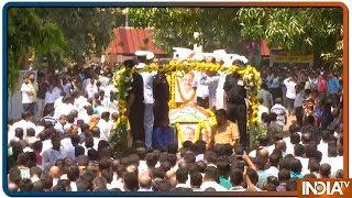 Manohar Parrikar को अंतिम विदाई देने पूरा Goa उमड़ा सड़कों पर - INDIATV