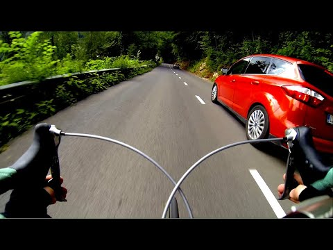 Extreme Road bike downhill / Passing cars