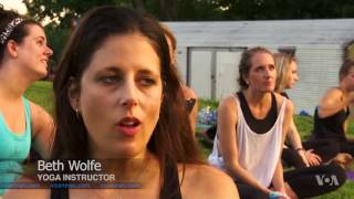 New Yoga Trend Includes Traditional Poses and Baby Goats - VOAVIDEO