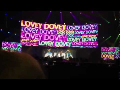 Music Bank Paris - T-ara Intro + Speech + Lovey Dovey live FANCAM 08.02.2012.