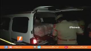 వరంగల్ జిల్లా దాసరిపల్లిలో భారీగా చీరలు పట్టివేత | iNews - INEWS