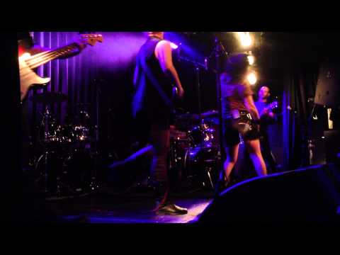 War On Women - Roe vs. World (live in Amsterdam 14/4/2013)